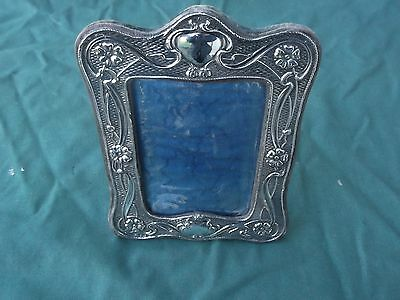 1911 Beautiful arts and crafts style solid silver photo frame