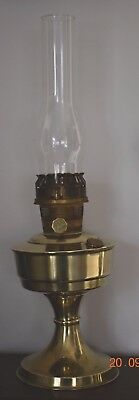OLD ALADDIN 23 OIL LAMP WITH GLASS CHIMNEY - working order
