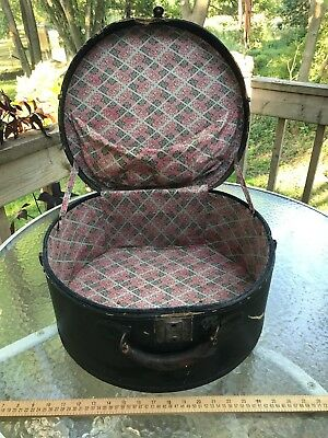Antique Bassett Black HAT BOX with a beautiful cloth interior 3 clasps work