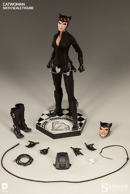"""Sideshow Collectibles DC Comics Catwoman 12"""" 1/6th Scale Figure"""