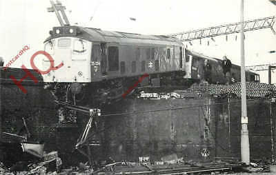 Picture Postcard: Class 25 Locomotive, Train Accident, Stoke Station, 1985