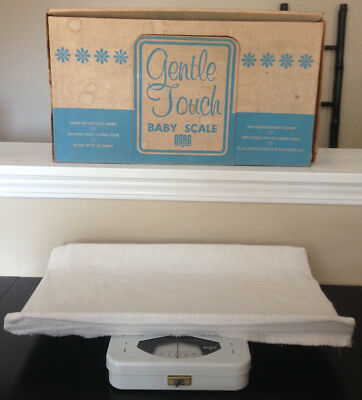 Vintage Borg White Gentle Touch Newborn Baby Scale Up To 30 Lbs W/ Cover & Box