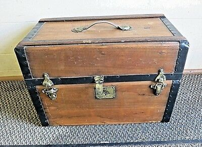 Wonderful Vintage Antique Childs Wood DOLL Trunk with Tray , Box RARE !!!