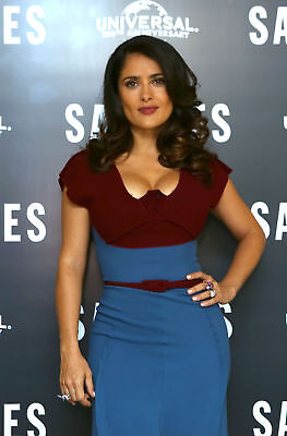 Salma Hayek With Hand On Hip 8x10 Picture Celebrity Print