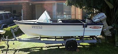 Pongrass O Runabout 4m Boat & Trailer