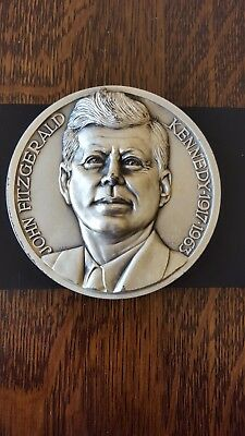 John F. Kennedy Silver Plated 100 Mm 1Lb 3Oz Medal ( 530 Grams )  Very Large