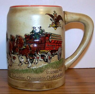 1980 BUDWEISER CS-19 HOLIDAY CHRISTMAS STEIN /GREEN CASES and incised lettering