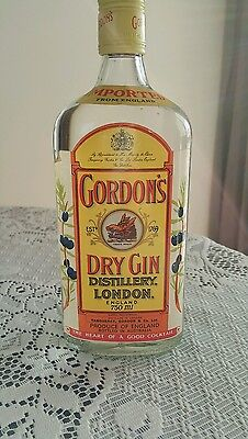 Gordons Dry Gin Old! Unopened Bottle! Late 70s Early 80s! 750ml! Very Rare!!