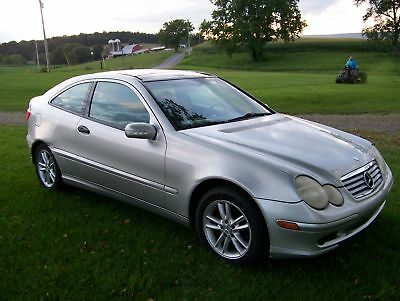 2002 Mercedes-Benz C-Class C230 Kompressor 2-Door Sports Coupe w/ Hatchbach 2002 Mercedes-Benz C230 Kompressor 2.3L Supercharged/Intercooled Sports Coupe