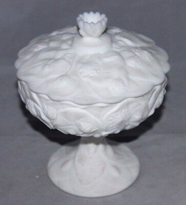 "FENTON Covered Compote Candy Dish ""Water Lily"", White Satin Custard Glass LOVELY"