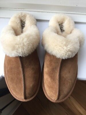 Ugg Slippers Size 6.5