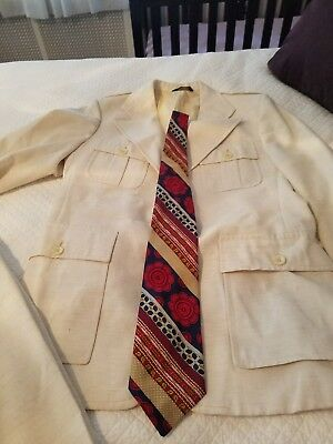 Vintage Retro Men's 70s suit polyster.