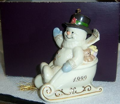 1999 LENOX XMAS TREE SNOWMAN ORNAMENT SLEDDING IN THE HOLIDAYS Gold Accent NOS