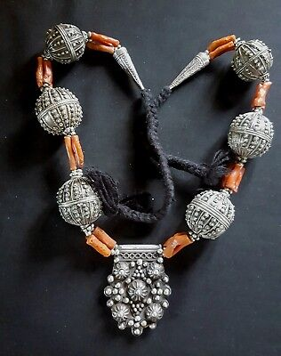 Yemen - Mauritania - Superb silver and genuine coral necklace