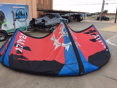 Slingshot Rally 14m Kiteboarding Kite with bag..Great shape with no issues..fly