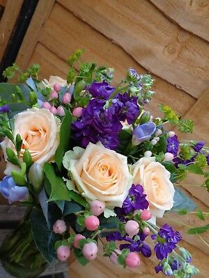 FRESH REAL FLOWERS straight through your letterbox UK delivery All Occasions
