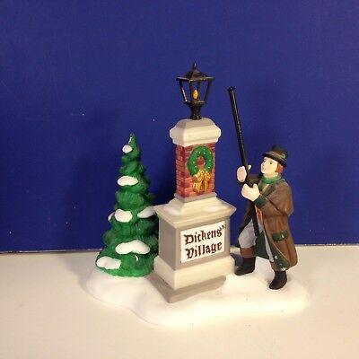 Dept 56 Dickens Village YE OLDE LAMPLIGHTER w/ box Combine Shipping!