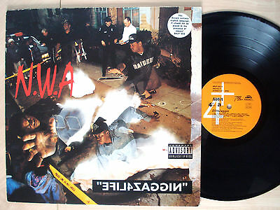 N.W.A Efil4zaggin UK LP 4th & Broadway BRLP 562 1991 EX/EX