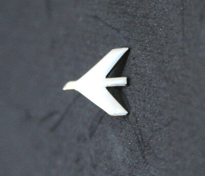 Pin EMBRAER Round Logo Pin for Pilots Crew Maintenance metal SILVER pin tie tack