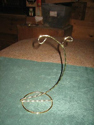 Shiny Gold Tone Twisted Metal Double Christmas Ornament Display Hanger Holder