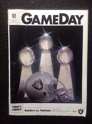 1986 GAMEDAY MATCH PROGRAMME Raiders Vs Patriots
