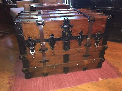 STEAMER TRUNK VINTAGE ANTIQUE VICTORIAN 1900-1930s  Flat Top Table, Tray, Key