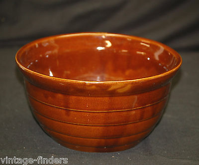 Monmouth Bwn Glazed Beehive Stoneware Pottery Ribbed Mixing Bowl Maple Leaf USA
