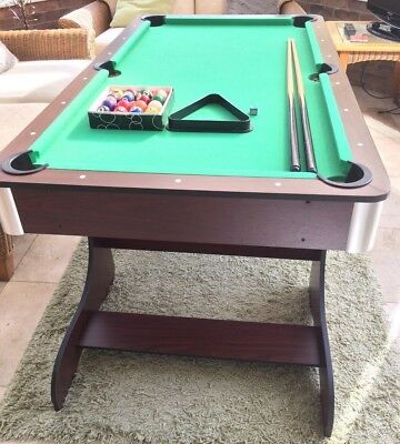 Foldaway 5ft Pool Table with Accessories