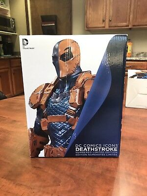 DC Comics Icons 1/6 Scale Statue - Deathstroke
