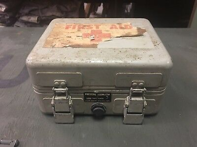 Vintage WWII U.S. Army Pressurized First Aid Kit Box Metal Case Army Air Corps