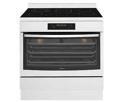 Westinghouse WFE946SB 90cm freestanding cooker with 5 zone ceramic hob