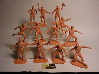 Soldatini Toy soldiers Airfix Calciatori Footballers  scala 1:32