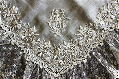 Very Rare and Exceptional Handkerchief Circa 1890's /w Brassels Lase