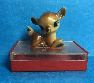 Vintage Small Plastic Case With A Fawn/ Doe/Deer On Top