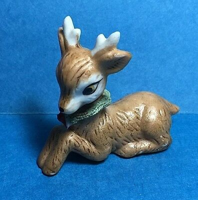 Vintage Ceramic Christmas Fawn/ Doe/Deer Figurine Figure With Wreath