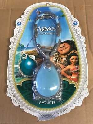 Moana singing necklace