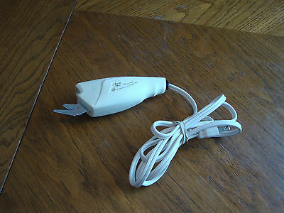 Vintage Aunt Mary's Electric Scissors Model # A3004