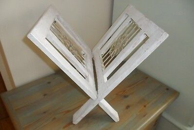 Vintage Shabby Chiic Wood Magazine / Book Rack