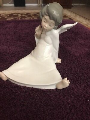 Lladro Cherub Angel Wondering # 4962   Mint Condition