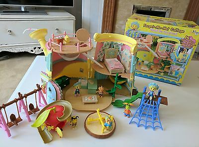 Fifi and the Flowertots Forget Me Not Cottage and park/ figures/ bundle