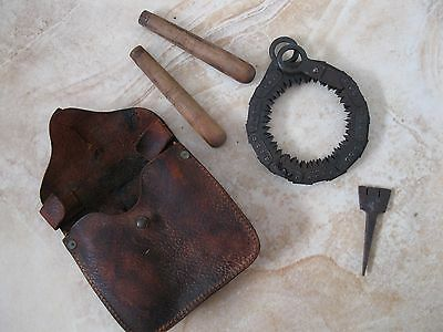 Vintage WWII period Disston Folding Chain Link Hand Military Saw USA 1943