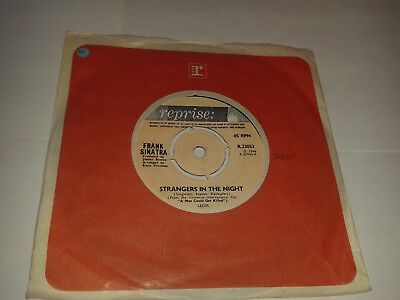 """Frank Sinatra – """"Strangers In The Night"""" 7"""" (1966) EX / """"My Kind Of Town""""  LOT7"""