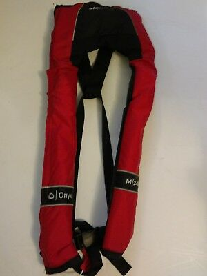 Onyx Bass Pro Shops M24 Manual Inflatable Universal Life Jacket PFD in Red 3100