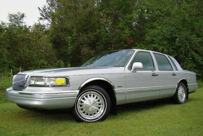 1997 Lincoln Town Car Cartier Sedan 4-Door 1997 LINCOLN TOWN CAR CARTIER! ONLY 68K LOW MILES! LOTS OF SERVICE! 1 OWNER! FL!