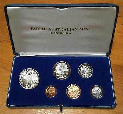 1966 AUSTRALIAN 6 COIN PROOF QUALITY SET in ORIGINAL LIGHT BLUE CASE..SCARCE