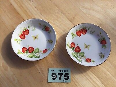 Rosina China Queen's Virginia Strawberry Pair Of Pin/trinket Dishes