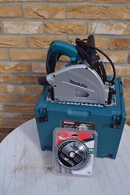 Makita SP6000 240v Plunge Cut Circular Saw 165mm blade and MAKPAC Carry Case
