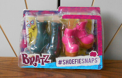 SHOEFIE SNAPS 2 pairs of shows/boots for character fashion dolls BRATZ pink/blue