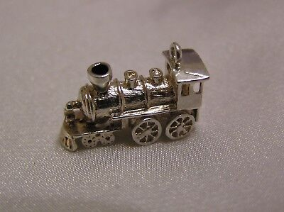 VINTAGE SOLID SILVER CHARM of a TRAIN 3.2 GRAMMES #042 LOCOMOTIVE