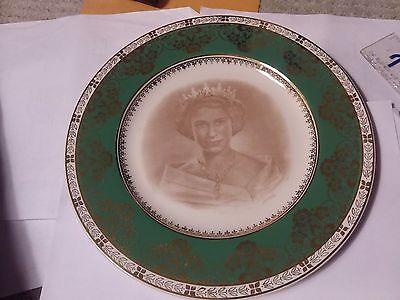 Vintage Plate - Queen Elizabeth Ii Commemorate The Coronation  - 10 Inches